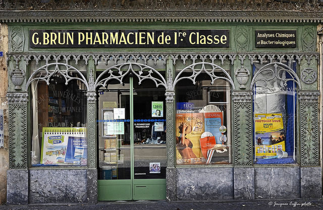 Pharmacie Jacques CaffinCC BY NC ND 2.0